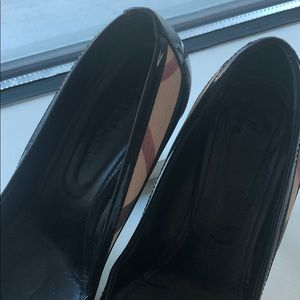 Burberry Shoes - Burberry Leather pumps